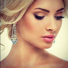 Makeup- Roz